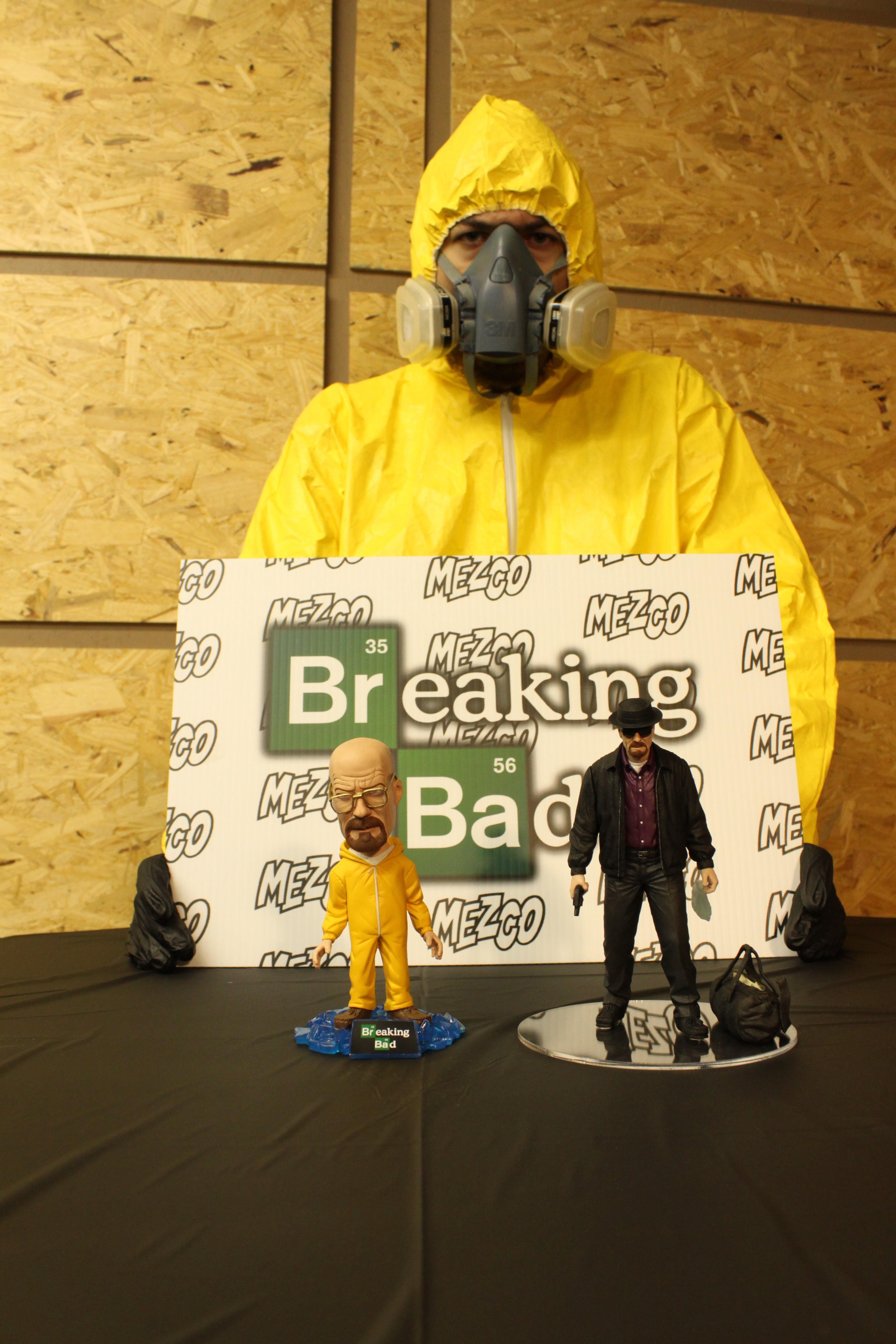 Toy Fair 13 Mezco Debuts 2013 Line Breaking Bad Included
