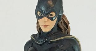Icon Heroes Batgirl Photo Aug 16, 3 10 27 PM