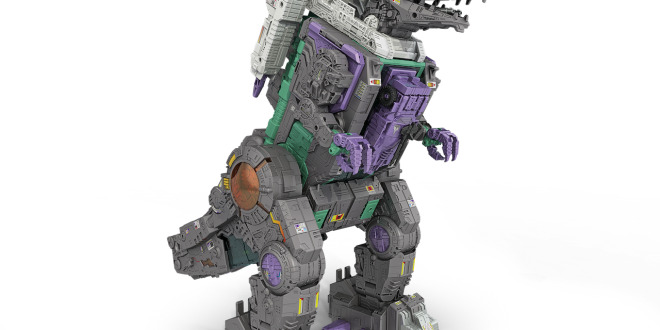 Toy Fair 17: Get a peek at the massive Transformer Trypticon
