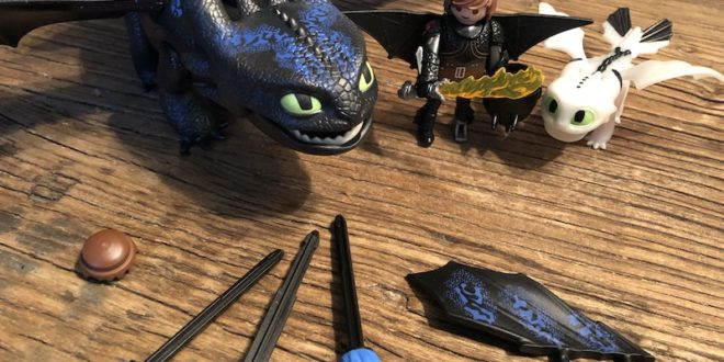 Dragons Hiccup and Toothless (Toy) Review