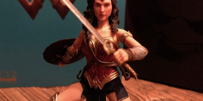 Mezco One:12 Collective Wonder Woman (Action Figure) Review